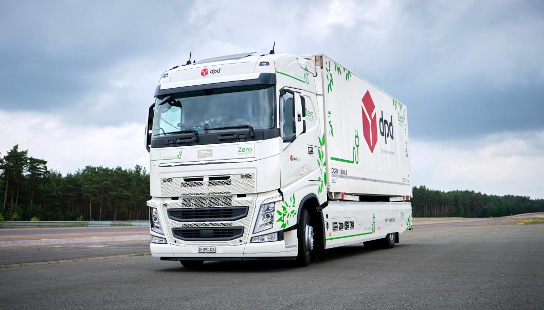 Denne lastebilen, en Futuricum, bygget med utgangspunkt i en Volvo, kjørte 392 runder på en testbane. Det endte med rekkevidde-verdensrekord for elektrisk lastebil.