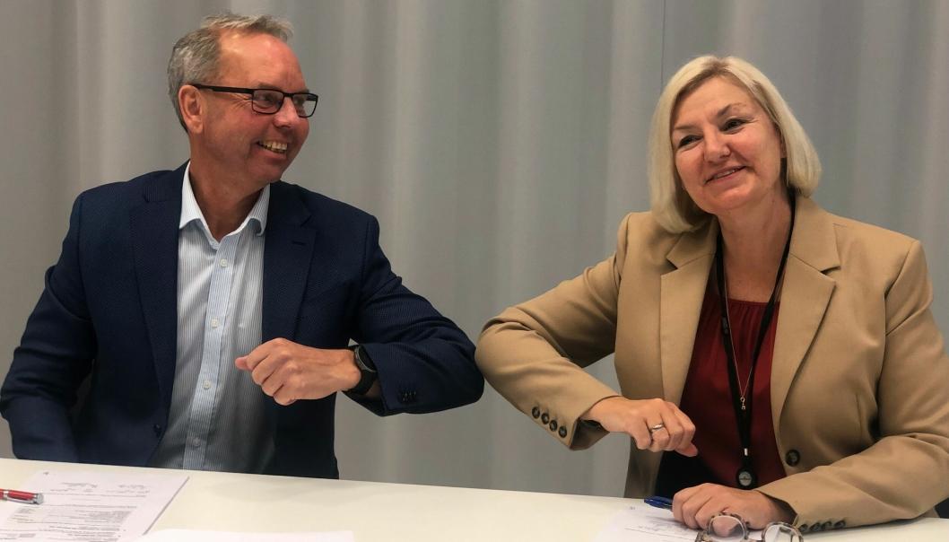 Avdelingsleder Rune Andersstuen i Veidekke Bygg Oslo og adm. direktør Eli Grimsby i Oslobygg KF.