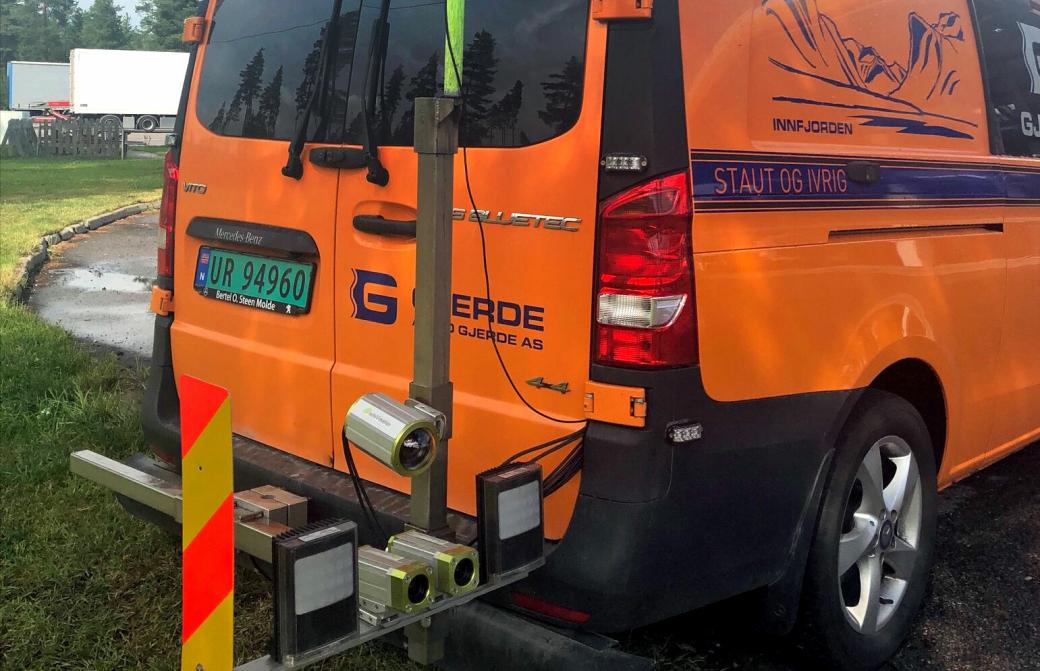 Kamerarigg på registreringsbil fra Arvid Gjerde AS - med datalyseanalyseverktøyet iSi Insight.