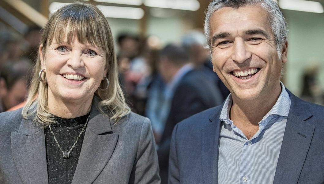 Fra avtaleinngåelsen i 2019 mellom Nye Veier AS og FCC: Anette Aanesland, som da var konstituert adm. direktør i Nye Veier, og Pablo Ovejas, direktør i FCC Construcción S.A, signerte kontrakten for byggingen av E6 Ulsberg-Vindåsliene 18. november 2019. Dette var den første kontrakten til FCC i Norge.