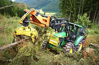 Nytt traktordekk for skogsarbeid