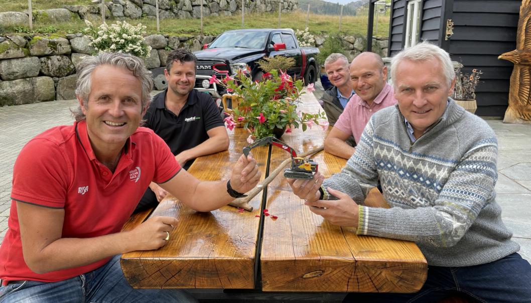 Fra venstre: Bjørn Risa, Kjetil Friestad (Rental.one), Tor Anders Skjæveland (Volvo Maskin), David Kristianslund (Volvo Maskin) og Arne Knaben (Volvo Maskin)