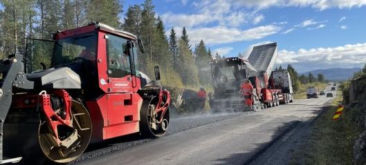 Olje byttes ut med plantebasert materiale i asfalten på E14 i Meråker