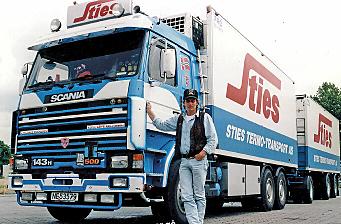 Det tok 25 år å fullføre boken «Lastebilhistorier» - førsteopplaget er revet bort
