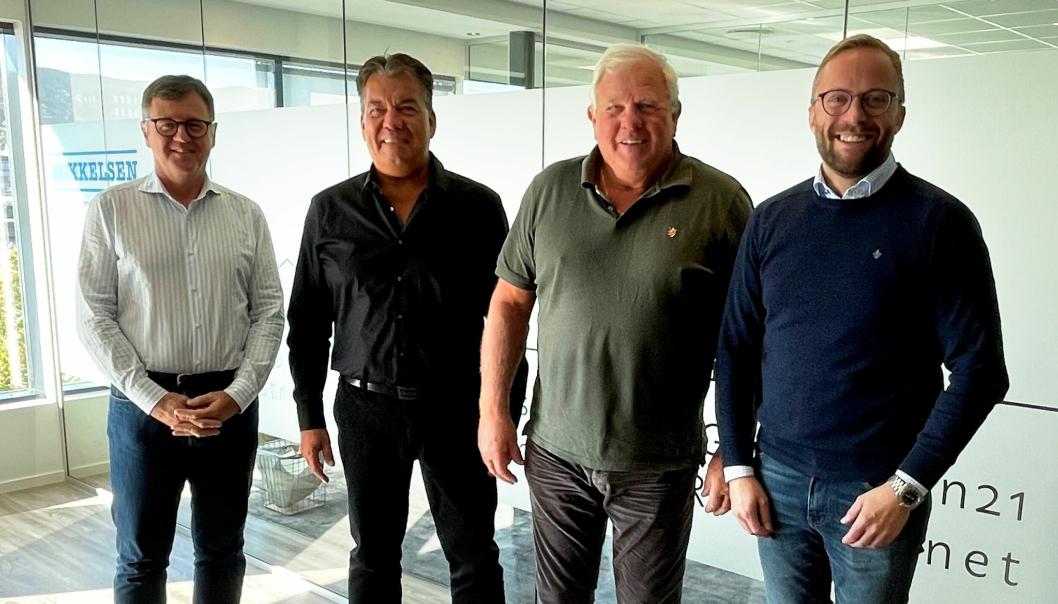 Fra venstre: Duncan Salt (CEO Wolffkran Holding AG), Andreas Kahl (daglig leder Wolffkran GmbH), Bent Mikkelsen (eier Mikkelsen AS), Espen Hinrichs Hanssen (daglig leder Mikkelsen kran og transport AS).