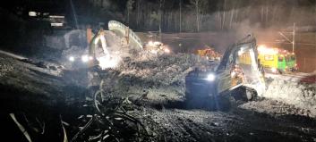 Togene stoppes og anleggsmaskinene overtar